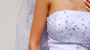 Pittsburgh, Robinson area wedding gown alterations